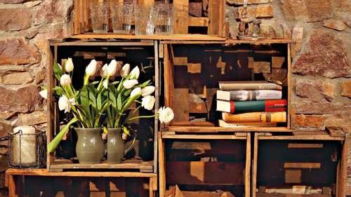 m bel aus wein und obstkisten bauanleitung landidee magazin. Black Bedroom Furniture Sets. Home Design Ideas